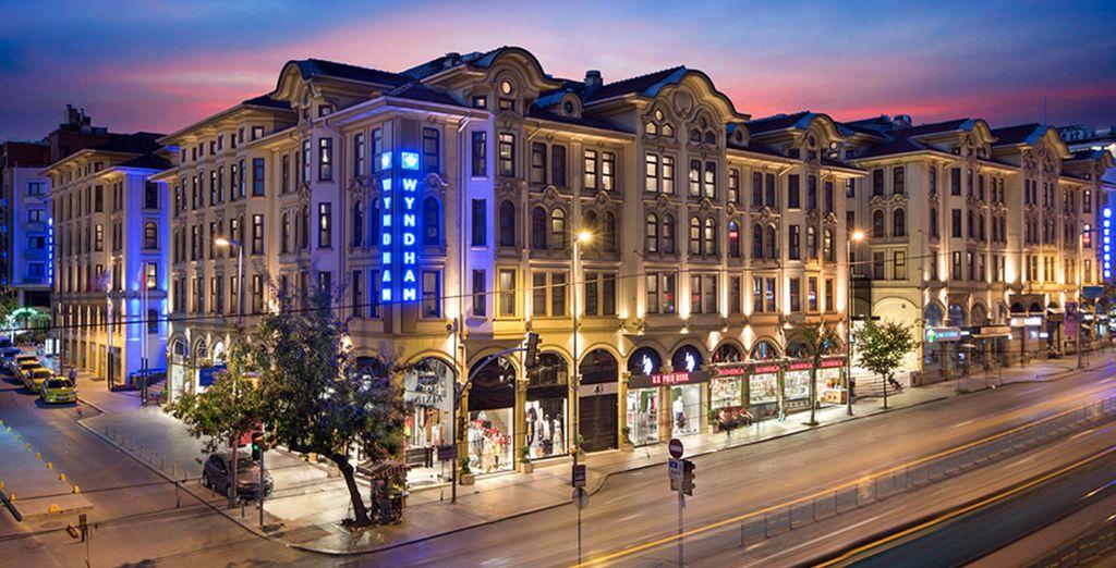Situado a pocos minutos del Gran Bazar - Wyndham Estambul Old City 5* Estambul