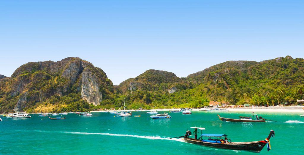 Phuket es el lugar ideal para explorar la zona y visitar las Islas Phi Phi