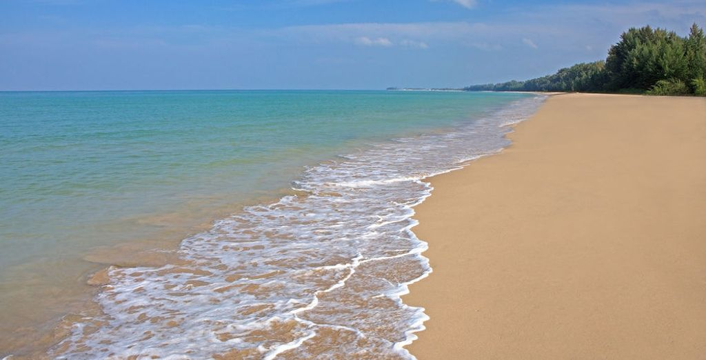 En la playa dorada de Bangsak