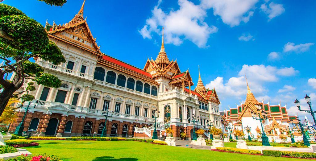 El Gran Palacio Real  fue utilizado como residencia real desde el siglo XVIII hasta mediados del siglo XX