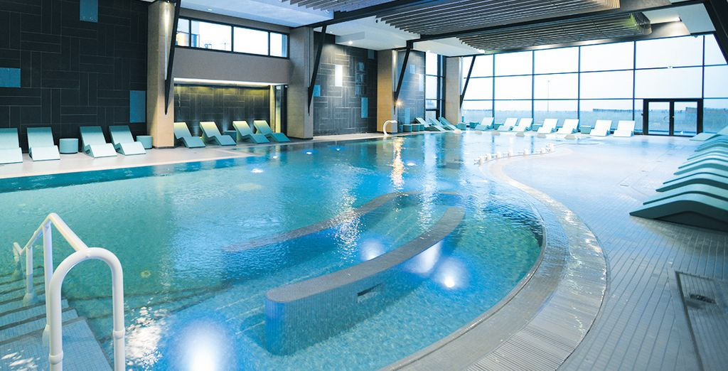 H tel les bains de cabourg 4 thalazur thalassoth rapie for Carpiquet piscine
