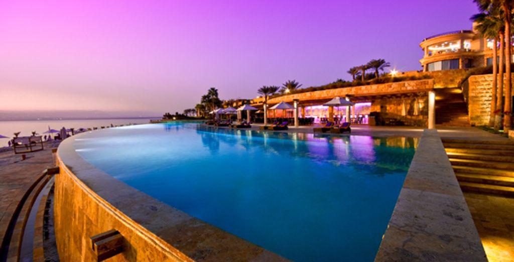 Combin en jordanie kempinski dead sea kempinski for Hotels jordanie