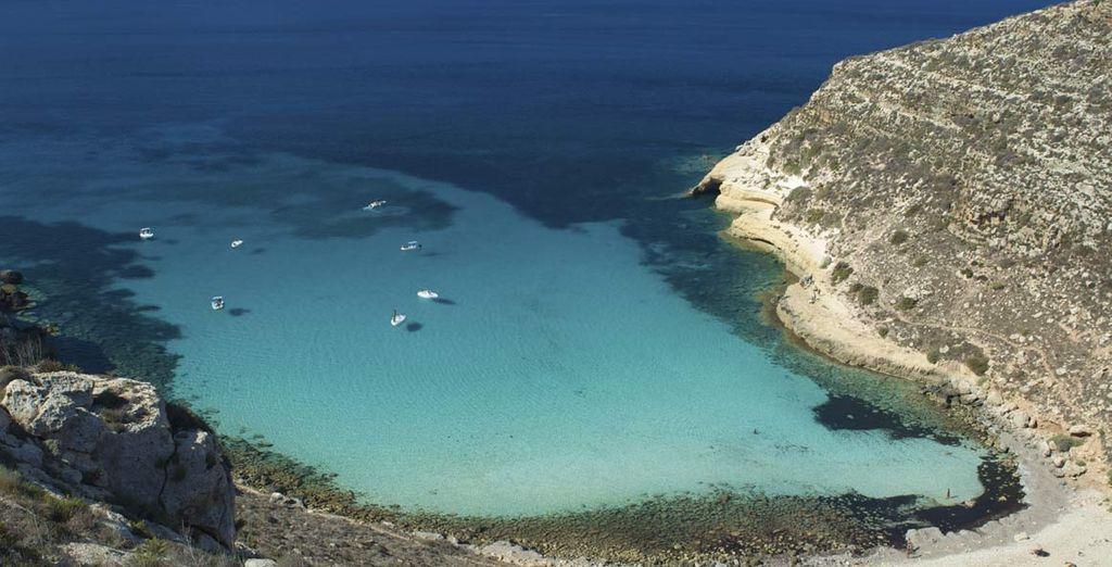 Tuffatevi nel mare cristallino di Lampedusa - Resort Costa House Lampedusa