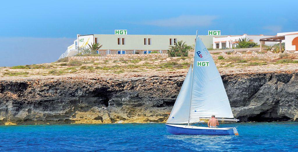L'Hotel Guitgia sorge su un lieve promontorio: così potrete godere di una vista straordinaria dall'alba fino al tramonto. - Giutgia Tommasino Lampedusa