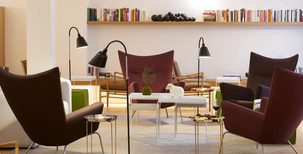 Enjoy a stylish getaway in the City of Lights - 9Hotel Republique 4* Paris