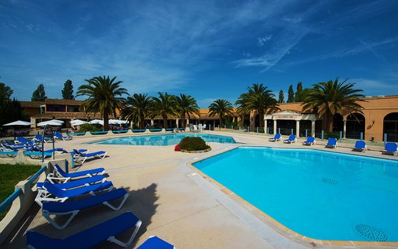 Hotel Club Residence les Amandiers 4*