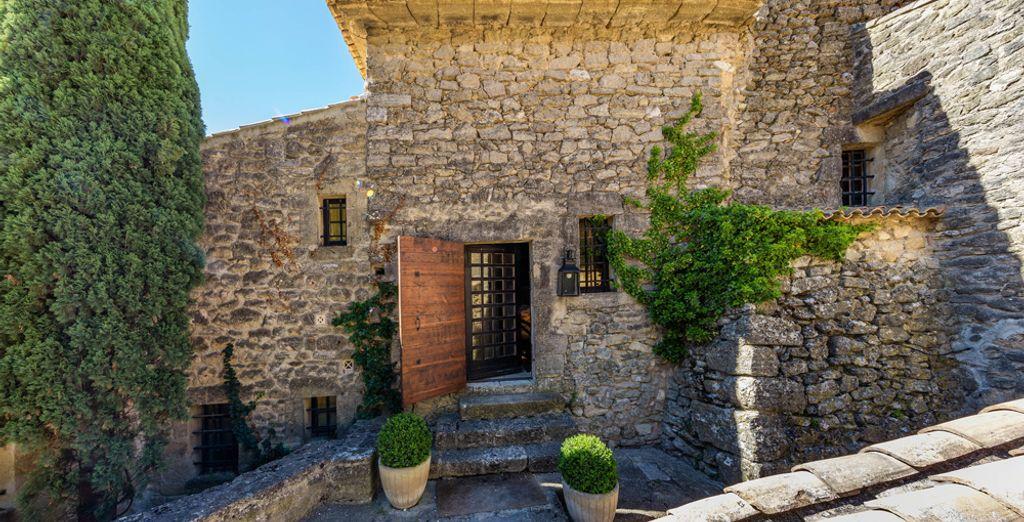 Das Hotel ist eine alte Abtei aus dem 12. Jahrhundert