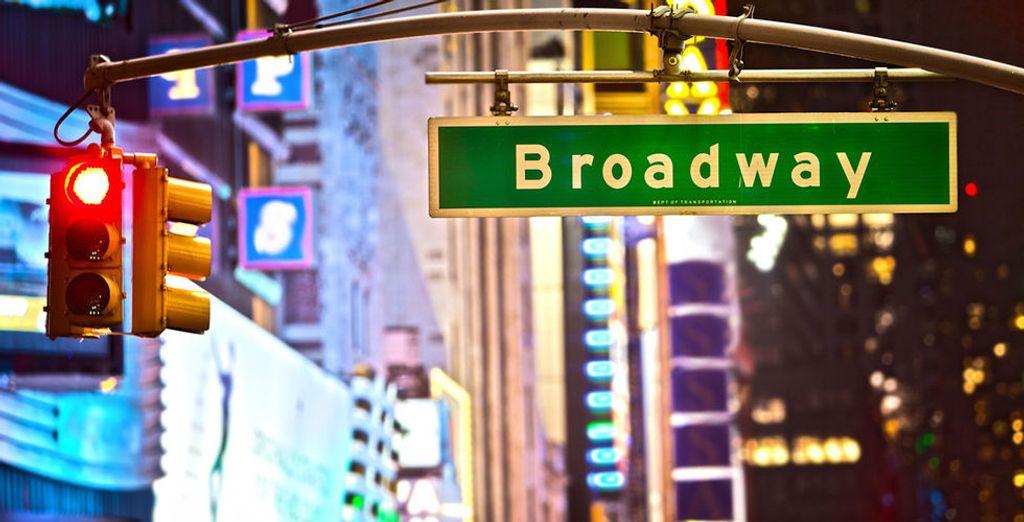 Und folgen Sie dem Broadway, an dem sich eine spektakuläre Show nach der anderen reiht...