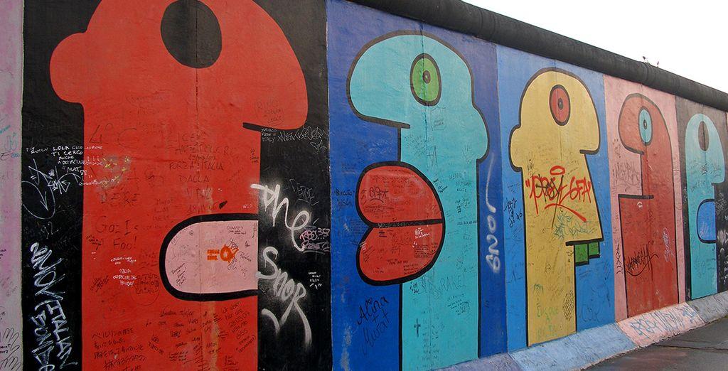 Die East Side Gallery und das längste noch bestehende Stück der Mauer