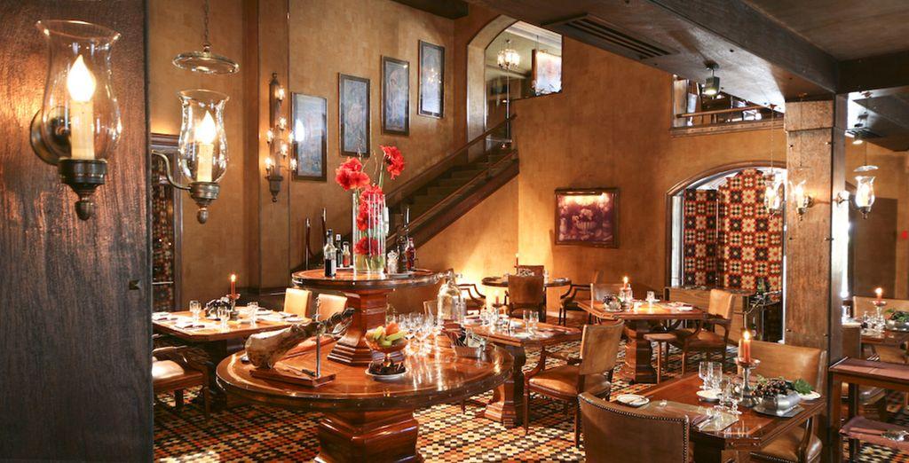 Erleben Sie die elegante Atmosphäre des Four Seasons Restaurant Grill