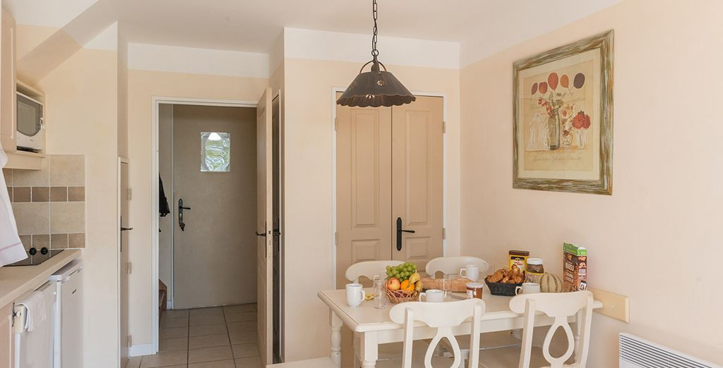 Die Küche verfügt auch über alle wichtigen Utensilien...