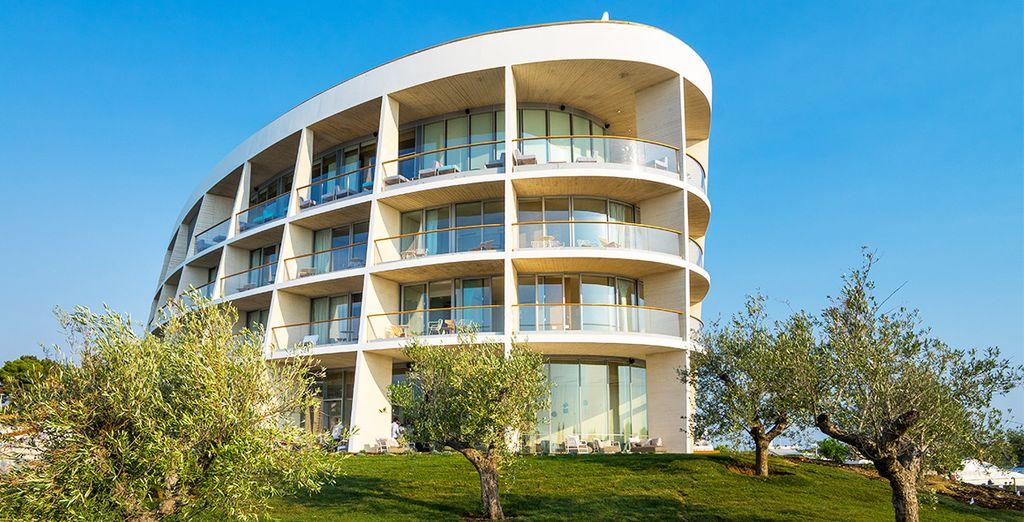Das Hotel ist ein Leuchtfeuer der modernen Architektur