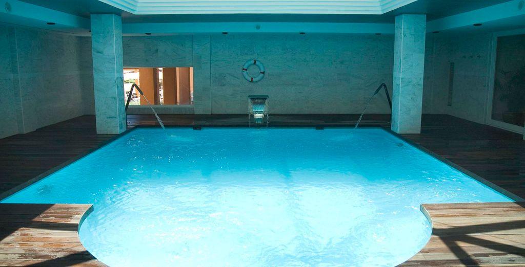 Entspannen Sie im Pool