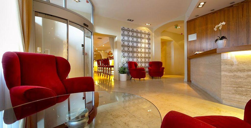 Sie kommen im Hotel Opéra & Spa 4* unter