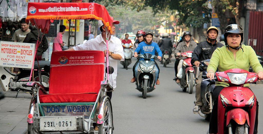 Ihre Reise beginnt im belebten Hanoi, der Hauptstadt Vietnams