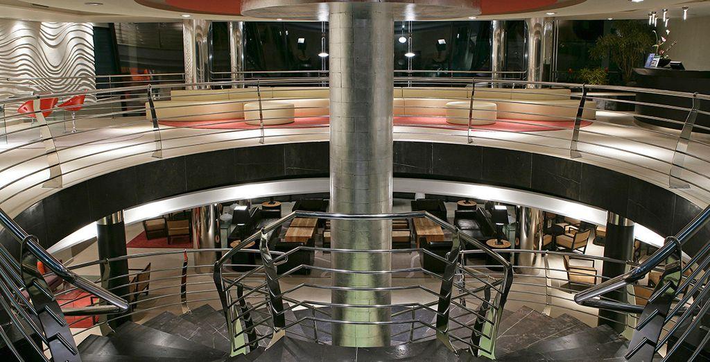 Ein modernes Hotel mit hochwertigen Einrichtungen