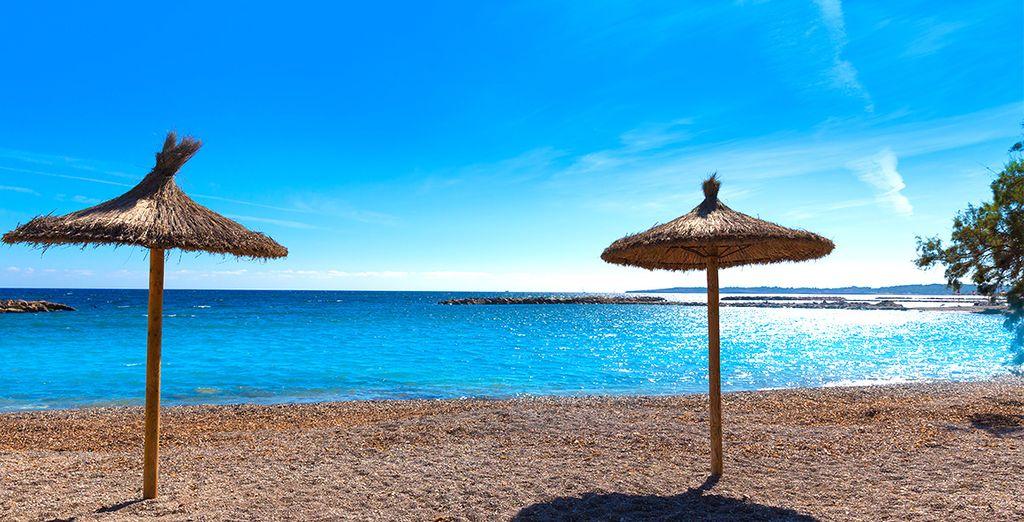 Der Strand Cala Bona ist 100 Meter entfernt