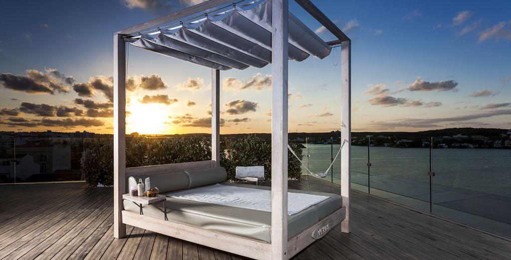 Nutzen Sie die Gelegenheit den einmaligen Sonnenuntergang zu beobachten ...