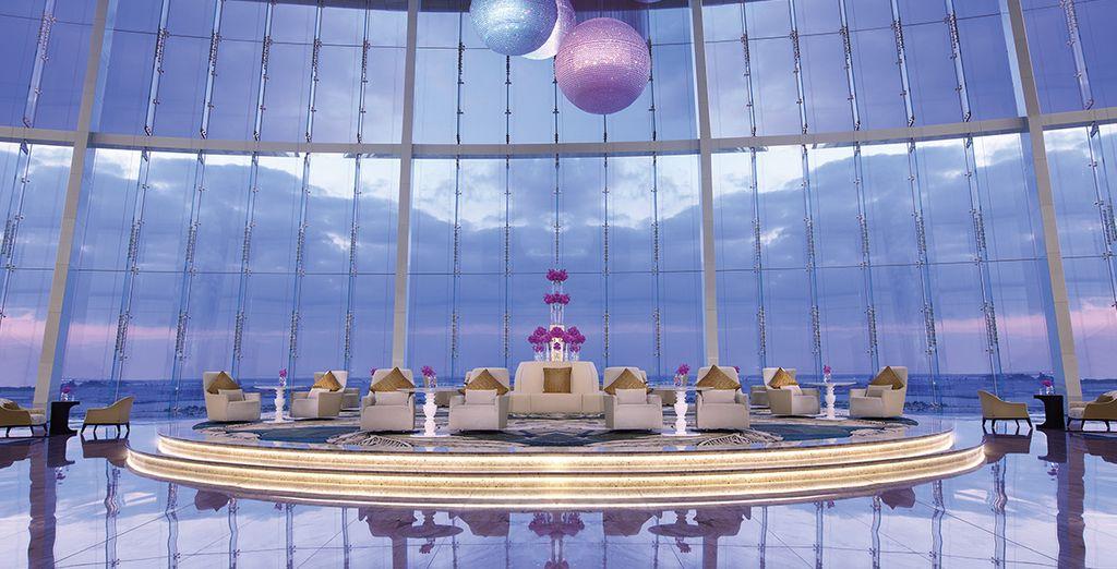 Sie werden im grandiosen Jumeirah at Etihad Towers 5* nächtigen...