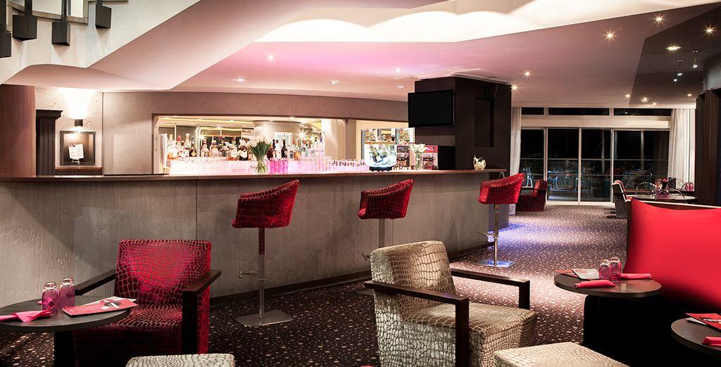 In der Royal Bar Lounge können Sie sich mit einem kühlen Drink erfrischen