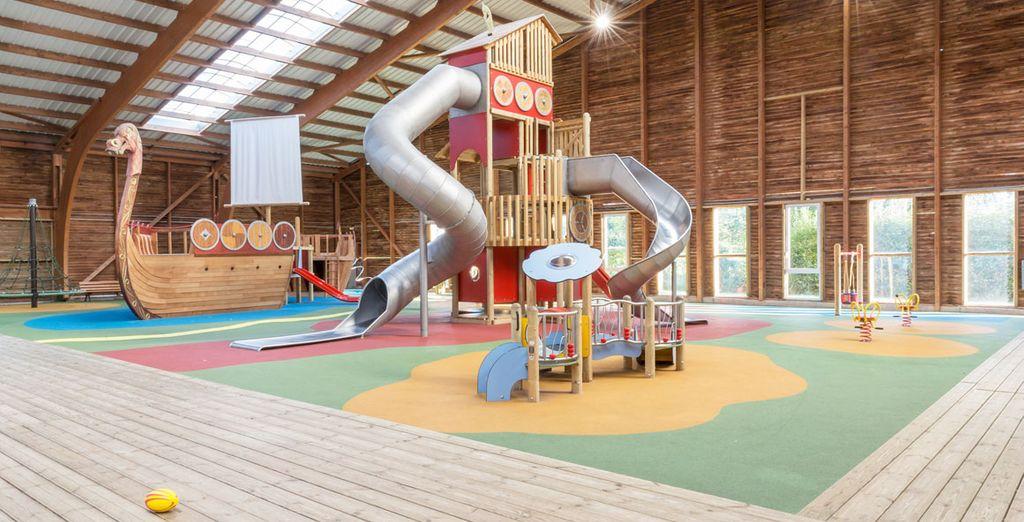 Und für Kinder den Indoor-Spielplatz!