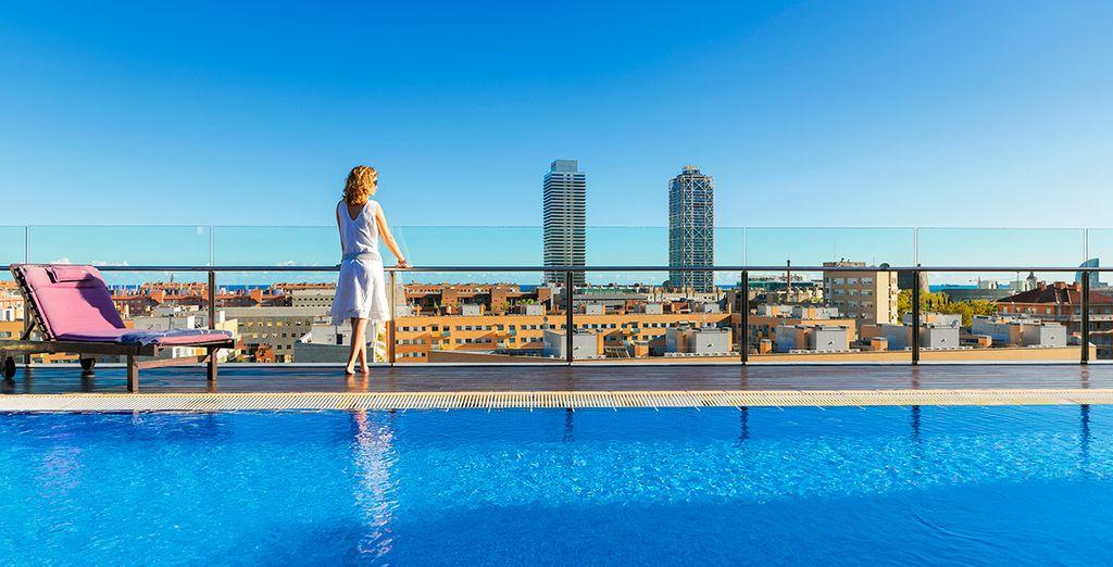 Das 4* Hotel H10 Marina heißt Sie herzliche Willkommen!