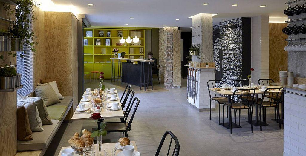 In einem hellen und luftigen Restaurant