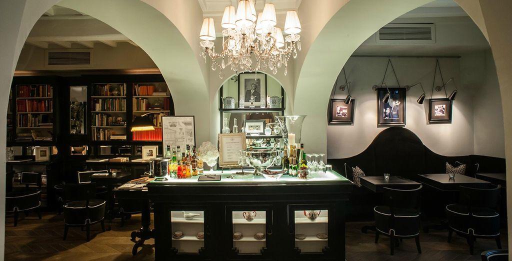 Und genießen Sie einen erfrischenden Drink an der stilvollen Hotelbar sobald Sie in Ihr Hotel zurückgekehrt sind