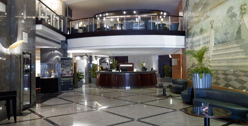 Herzlich willkommen im NH Ambassador Hotel