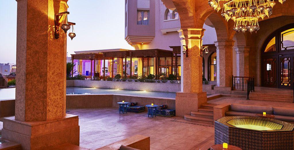 Oder entspannen Sie sich in der exotischen Shishabar