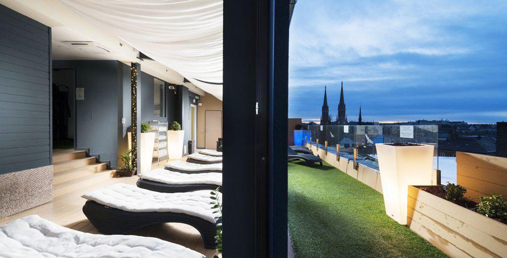 Genießen Sie Ihren Aufenthalt mit fabelhaftem Spa auf der Dachterrasse und Champagner-Frühstück