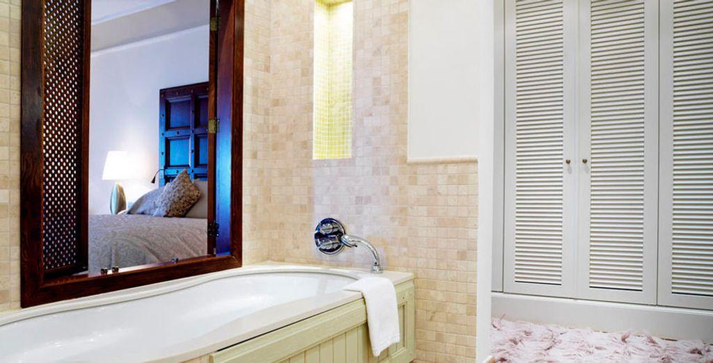 Mit angenehmem Badezimmer