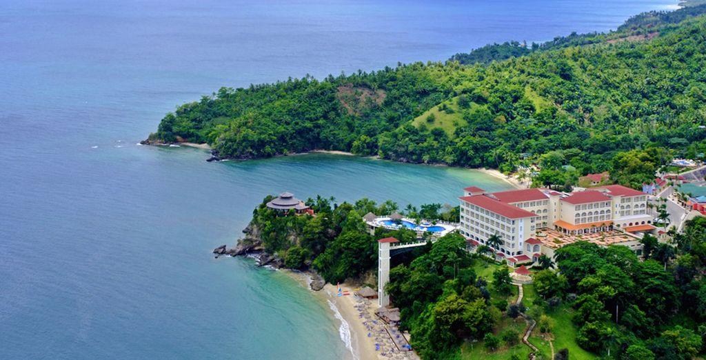 Das Hotel liegt auf einer Halbinsel