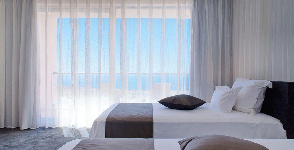 Sie übernachten in einem Standard Zimmer mit Meerblick