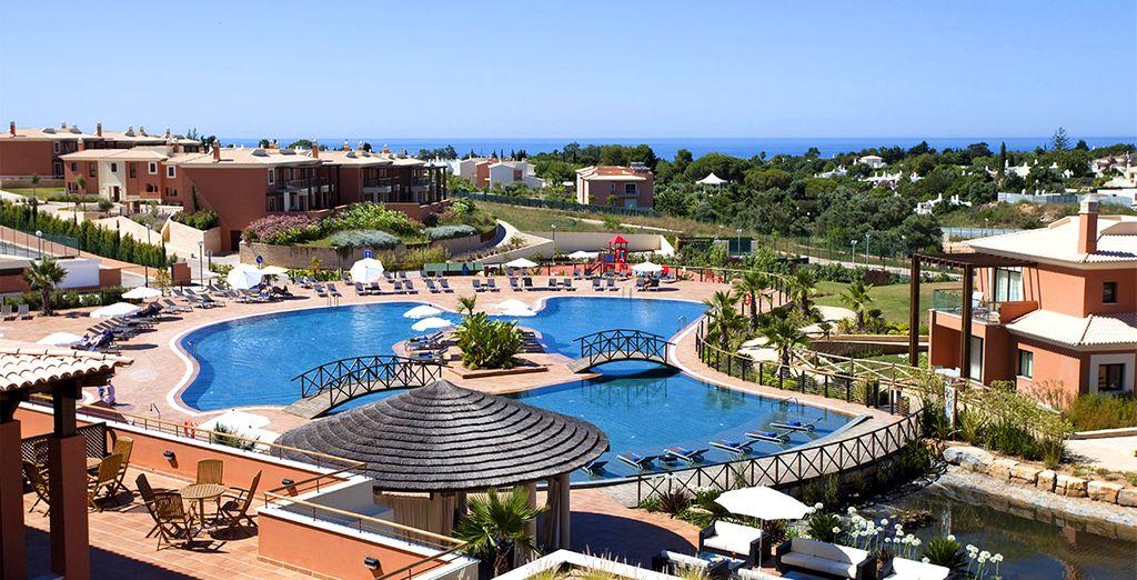 Y alójate en el Monte Santo Resort 5*