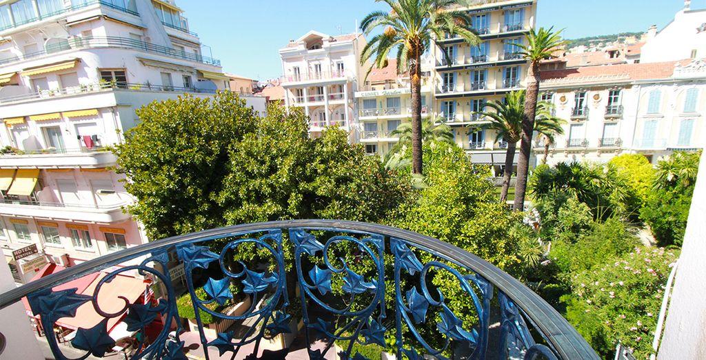 El hotel está situado en el centro de Cannes