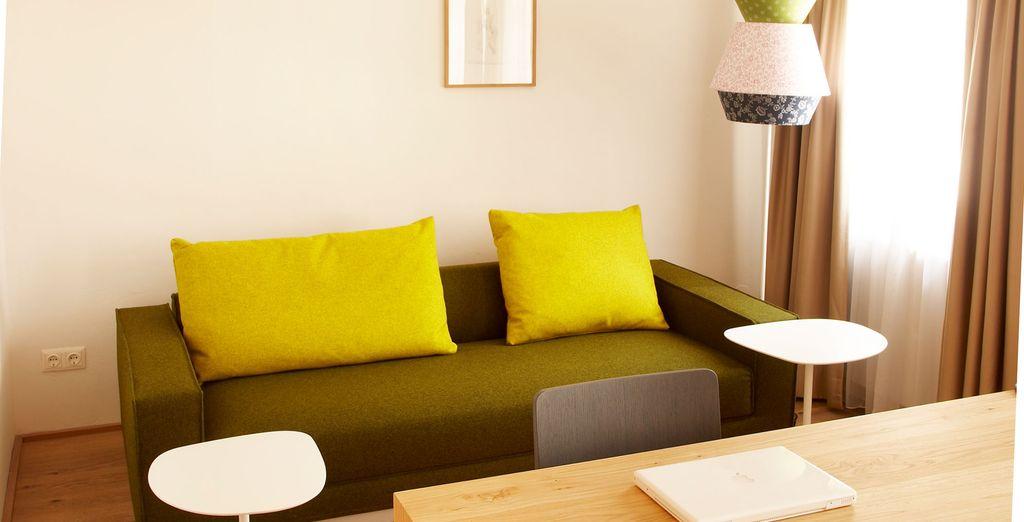 Mientras que la Regular Double Room ofrece espacio y confort