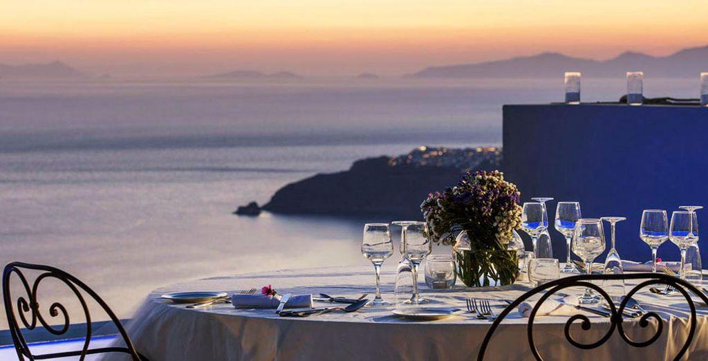 Y termina el día con una cena mediterránea de primera en el restaurante del hotel