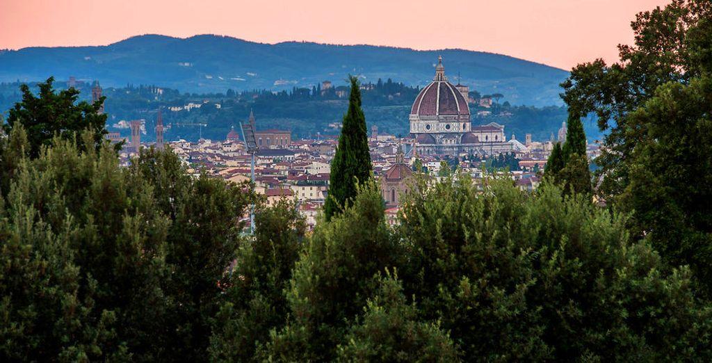 Con una magnífica vista del Duomo