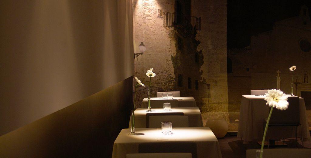 Admira los elegantes alrededores y saborea su cocina, mundialmente conocida