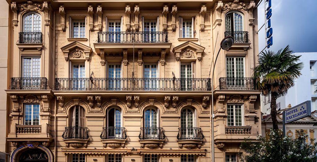 Alójate en un edificio que data de 1898
