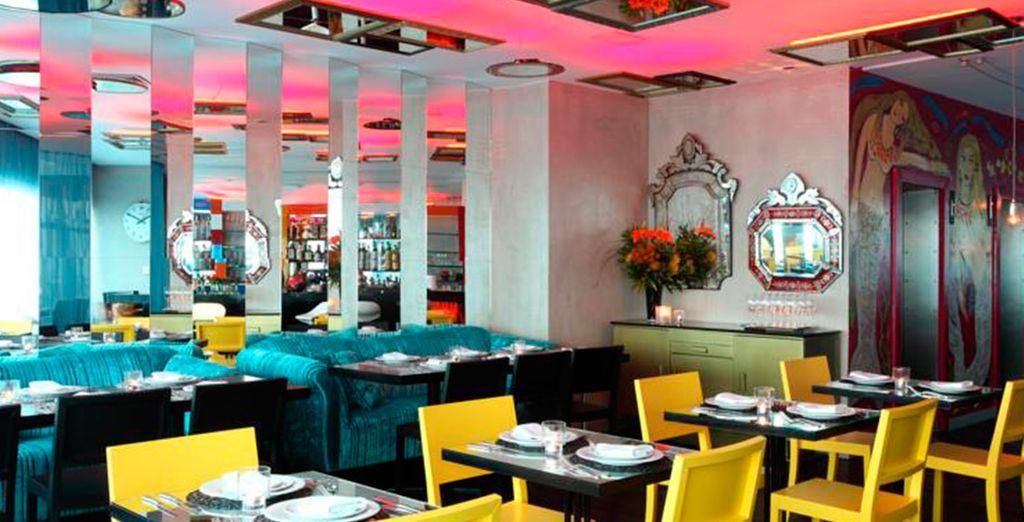 El restaurante: el punto más caliente del mundo famoso y de moda