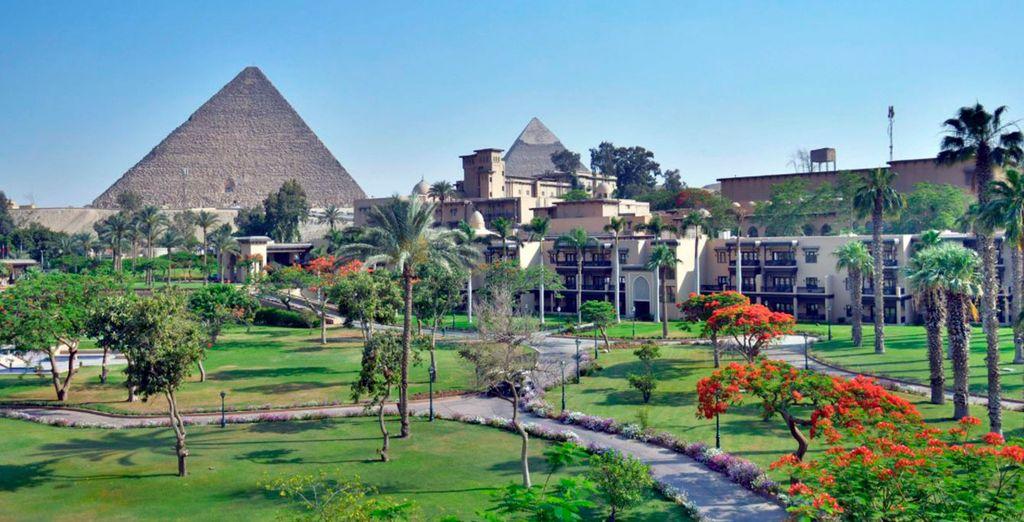 Una impresionante estancia te espera en El Cairo en el Hotel Mena House 5*
