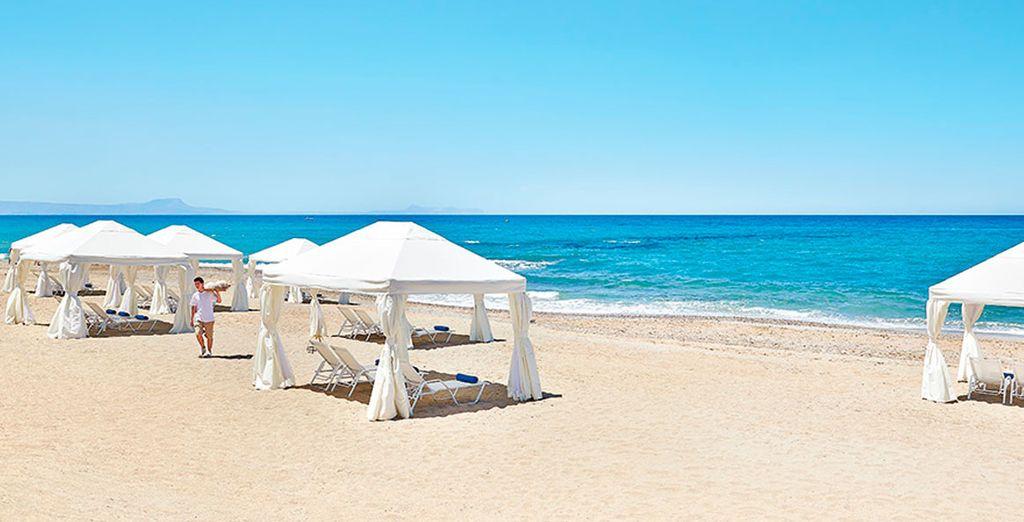 Playas de fina y blanca arena y aguas cristalinas