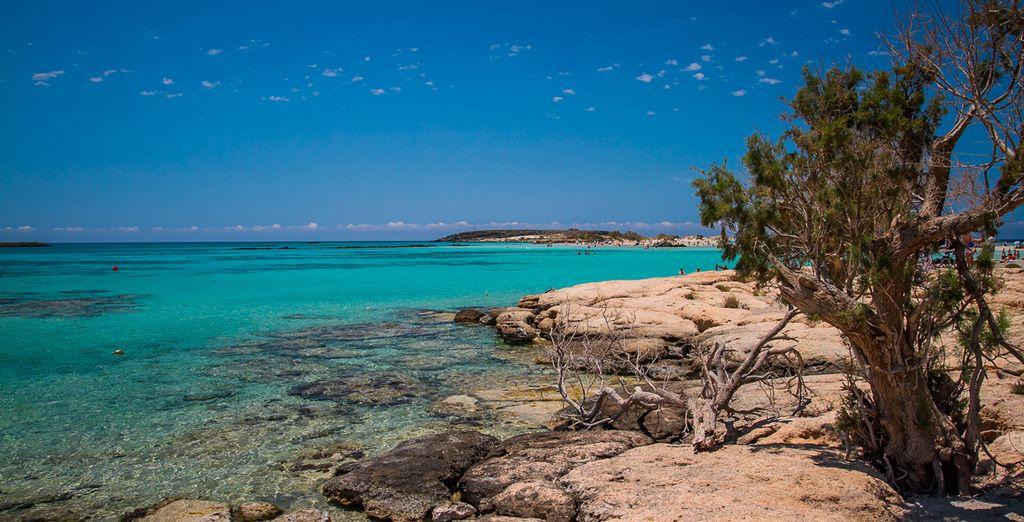 Hermosa playa de Elafonisi en Creta, Grecia