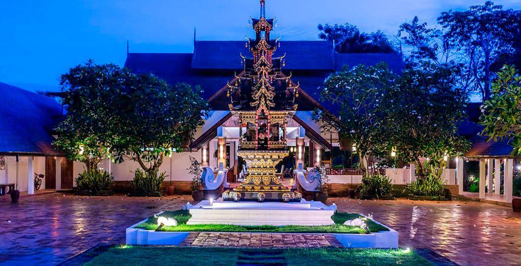 Si escoges la categoría Superior, te alojarás en el Legend Resort 4* en Chiang Rai