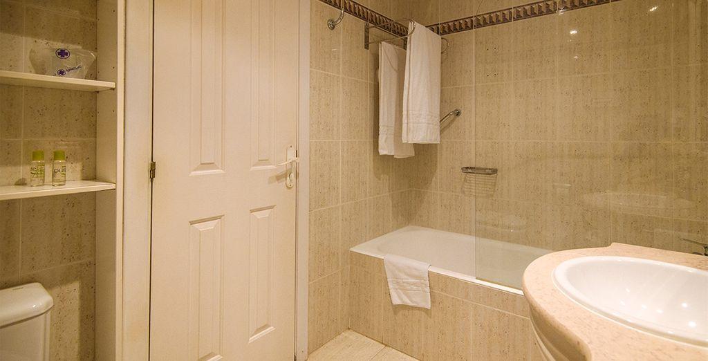 Tendrás a tu disposición baños totalmente equipados