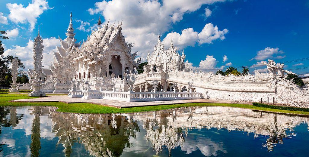 El 7º día visitarás el  Wat Rong Khun, el famoso templo blanco