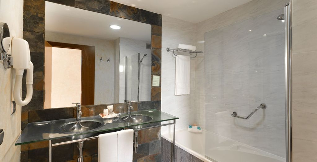 Baño privado equipado por completo