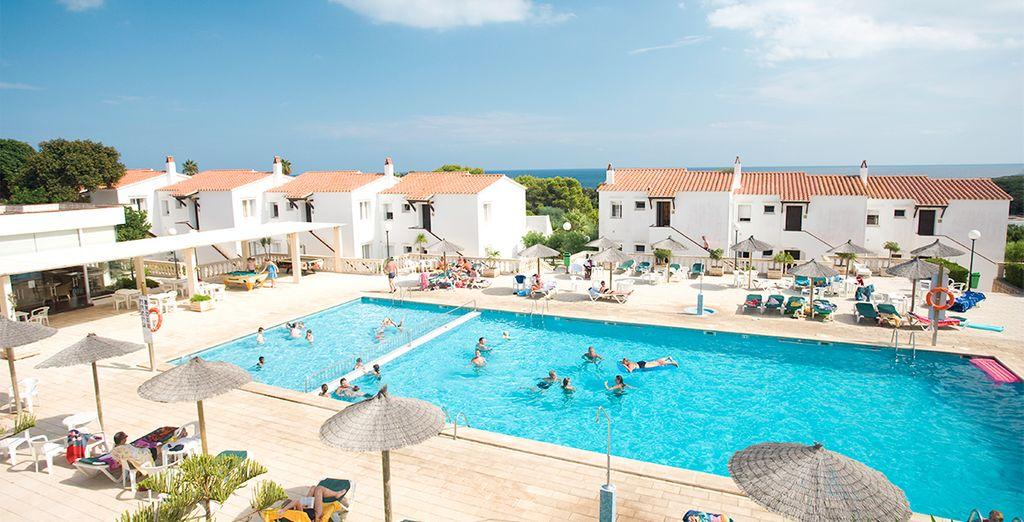 Bienvenido a Los Naranjos, se encuentran en la urbanización de S'Algar, al sureste de Menorca